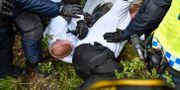 Nazister och polis i Kungälv idag. Björn Larsson Rosvall/TT / TT NYHETSBYRÅN
