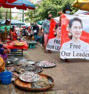 Demonstration till stöd för Aung San Suu Kyi i Rangoon/Arkivbild TT NYHETSBYRÅN