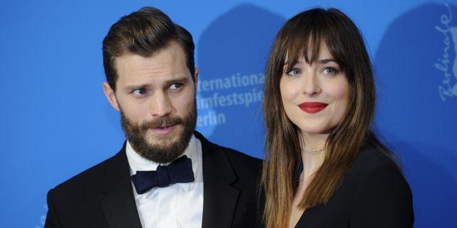 Hon regisserar 50 nyanser av honom