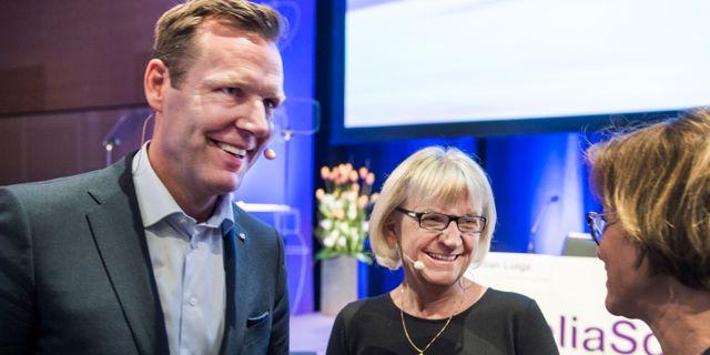 Vd Johan Dennelind och styrelseordförande Marie Ehrling på Telias årsstämma. Lars Pehrson / SvD / TT / TT NYHETSBYRÅN