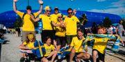 Svenska supportrar i Le Havre. SIMON HASTEGÅRD / BILDBYRÅN