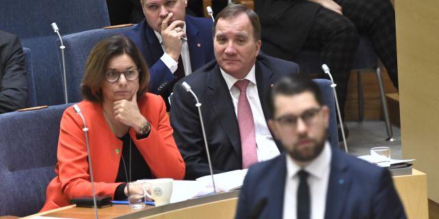 Miljöminister Isabella Lövin (MP), justitie- och migrationsminister Morgan Johansson (S), statsminister Stefan Löfven (S) och Sverigedemokraternas partiledare Jimmie Åkesson. Claudio Bresciani/TT / TT NYHETSBYRÅN