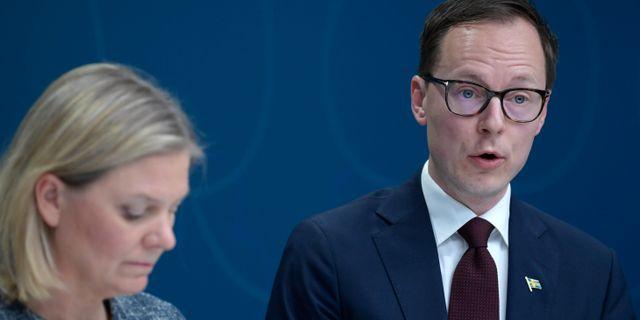 Mats Persson tillsammans med finansminister Stefan Löfven (S). Janerik Henriksson/TT / TT NYHETSBYRÅN