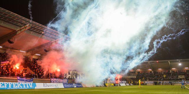 Bild från derbyt.  DANIEL STILLER / BILDBYRÅN
