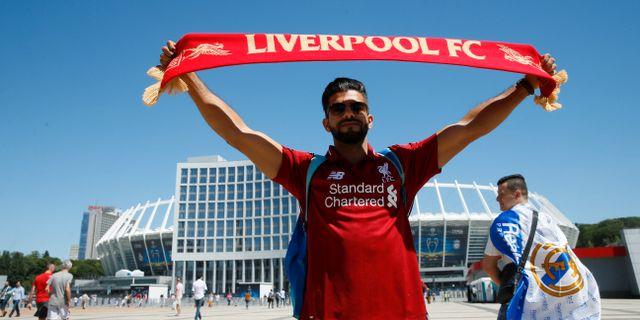 Liverpool-supporter i Kiev inför Champions League-finalen.  VALENTYN OGIRENKO / TT NYHETSBYRÅN