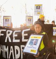 Demonstration utanför Irans ambassad på Lindingö för KI-forskaren Ahmedreza Djalali i november 2017. Hossein Salmanzadeh/TT / TT NYHETSBYRÅN