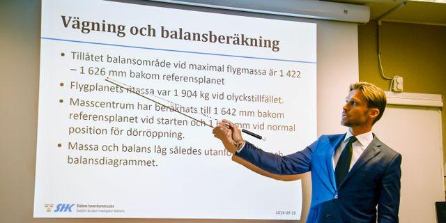 Peter Swaffer vid Statens haverikommission på dagens pressträff. Patrick Trägård//TT / TT NYHETSBYRÅN