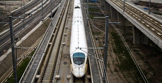 Illustrationsbild: Höghastighetståg i Kina. STR / SCANPIX