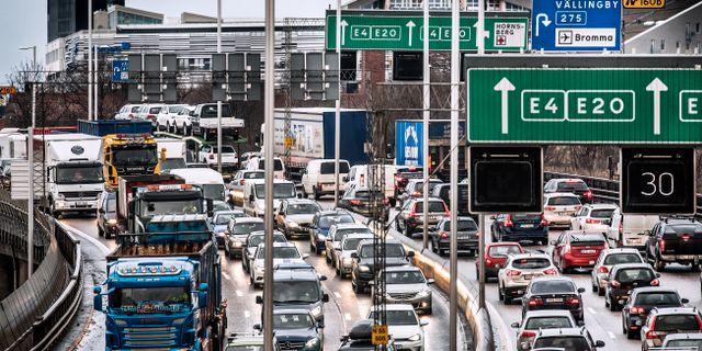 Bilköer på Essingeleden en eftermiddag/arkivbild.  Tomas Oneborg/SvD/TT / TT NYHETSBYRÅN