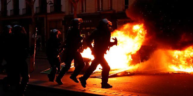 Arkivbild, Gula västarnas protester i Paris. GONZALO FUENTES / TT NYHETSBYRÅN