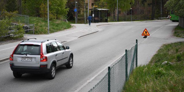 Två personer blev på denna plats i Gottsunda i Uppsala påkörda av en polisbil på fredagen. Jonathan Näckstrand/TT / TT NYHETSBYRÅN