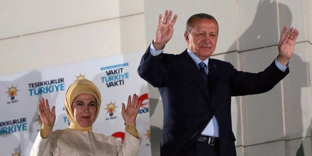 Recep Tayyip Erdogan och hans fru Emine Erdogan.  ADEM ALTAN / AFP