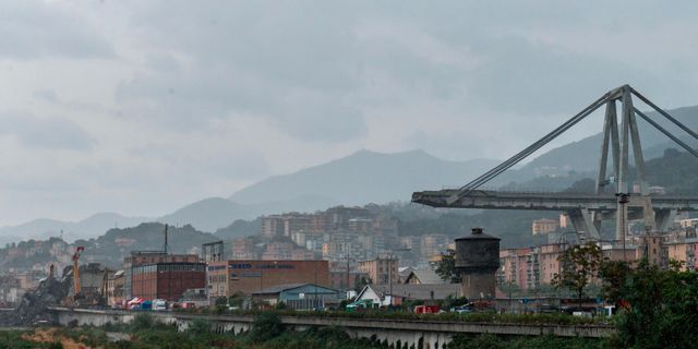 Genua far ny bro inom ett ar
