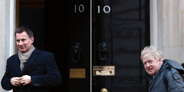 Jeremy Hunt och Boris Johnson utanför Downing Street.  TT