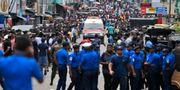 Poliser i huvudsatden Colombo i samband med attacken. Eranga Jayawardena / TT NYHETSBYRÅN/ NTB Scanpix