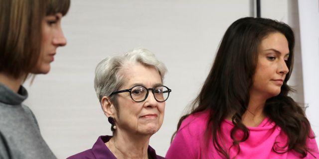 Rachel Crooks, Jessica Leeds och Samantha Holvey talade vid en presskonferens. Mark Lennihan / TT / NTB Scanpix