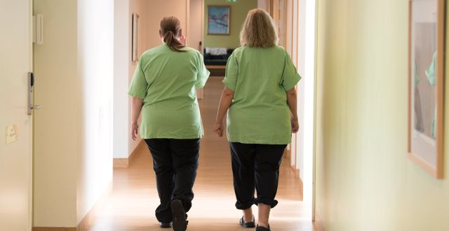 Undersköterskor på ett äldreboende. Fredrik Sandberg/TT / TT NYHETSBYRÅN