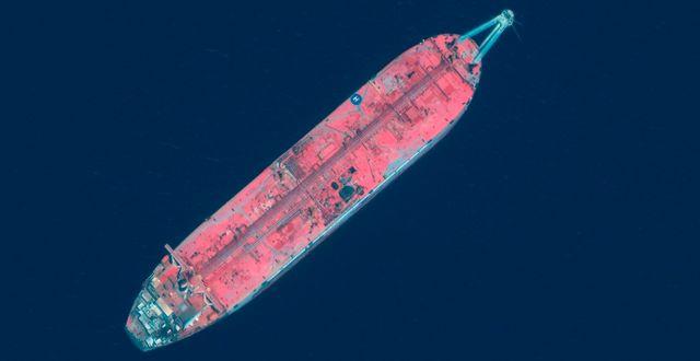 Arkivbild: Satellitbild från Maxar Technologies som visar FSO Safer utanför Jemen TT NYHETSBYRÅN