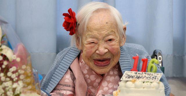 Japanskan Misao Okawa på sin 116-årsdag. Arkivbild från 2014.  Yoshiko Moriya/ ASSOCIATED PRESS / TT / TT / NTB Scanpix