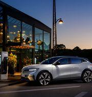 Renault Megane E-Tech 100% electric.