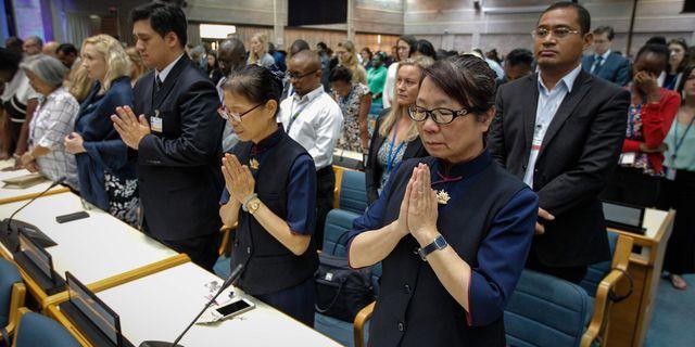 Mötet inleddes med en tyst minut för dödsoffren i flygolyckan i Etiopien. UNEP/C. VILLEMAIN / UNEP