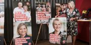 Socialdemokraternas partisekreterare Lena Rådström Baastad med valaffischer inför riksdagsvalet förra hösten. Lars Pehrson/SvD/TT / TT NYHETSBYRÅN