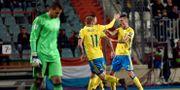 Mikael Lustig firar sitt 1–0-mål mot Luxemburg. ERIC VIDAL / TT NYHETSBYRÅN