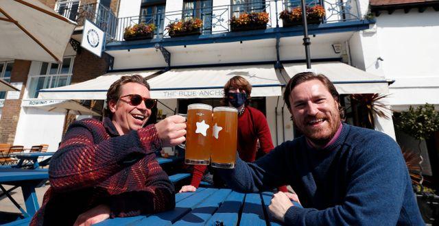 Matt och Matt på puben Blue Anchor i Hammersmith, London. Frank Augstein / TT NYHETSBYRÅN