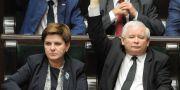 Premiärministern Beata Szydlo och nationalkonservativa Lag och Rättvisas partiledare Jaroslaw Kaczynskyí. Alik Keplicz / TT / NTB Scanpix