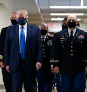 Arkivbild. Trump på besök vid ett militärsjukhus. Patrick Semansky / TT NYHETSBYRÅN
