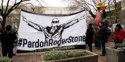 Demonstranter till stöd för Roger Stone. Manuel Balce Ceneta / TT NYHETSBYRÅN
