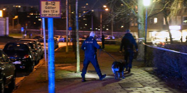 Polis på plats vid Ramels väg efter mordet. Björn Lindgren/TT / TT NYHETSBYRÅN