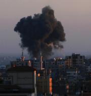 Rök stiger från Gaza/Ann Linde.  TT.