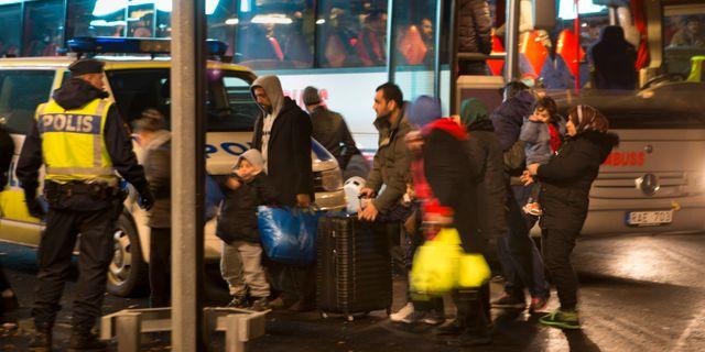 Asylsökande anländer till Malmö 2015. Drago Prvulovic/TT / TT NYHETSBYRÅN