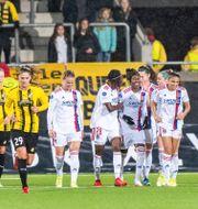 Lyon-spelarna jublar.  MICHAEL ERICHSEN / BILDBYRÅN
