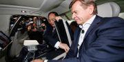 Volvo Cars vd Håkan Samuelsson och ägarbolaget Geelys ordförande Li Shufu. Arkivbild. AP PHOTO / TT NYHETSBYRÅN