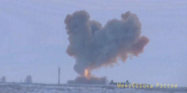 Stillbild från ryska försvarsdepartementet visar testet av roboten. HANDOUT / TT NYHETSBYRÅN