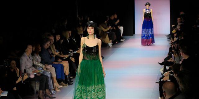 Modevisning av Armanis kläder. Arki Michel Euler / TT NYHETSBYRÅN