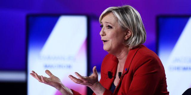 Marine Le Pen i gårdagens tv-debatt.  POOL / TT NYHETSBYRÅN