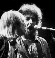 Arkivbild: Tom Petty uppträdde bland annat i Stockholm tillsammans med Bob Dylan 1987.  Jurek Holzer/TT / TT NYHETSBYRÅN