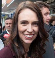 Jacinda Ardern träffar väljare i Christchurch Mark Baker / TT NYHETSBYRÅN