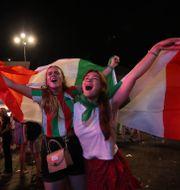 Italienska fans i Rom efter Italiens vinst. YARA NARDI / BILDBYRÅN