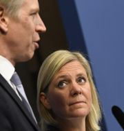 Finansmarknadsminister Per Bolund och finansminister Magdalena Andersson. Janerik Henriksson/TT / TT NYHETSBYRÅN