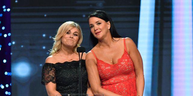 Pernilla Wahlgren och Sofia Wistam under årets Kristallengala på Stockholmsmässan. Jonas Ekströmer/TT / TT NYHETSBYRÅN
