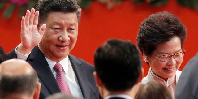 Kinas president Xi Jinping och Hongkongs ledare Carrie Lam. Arkivbild. Kin Cheung / TT NYHETSBYRÅN
