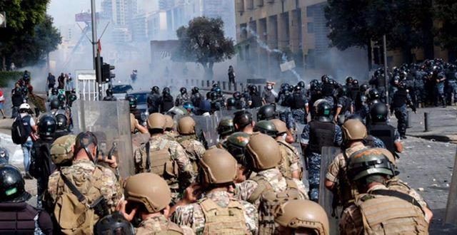 Protester i Libanon efter explosionen. Privat / TT NYHETSBYRÅN