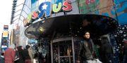 Arkivbild: Toys R Us flaggskeppsbutik vid Times Square i New York.  Mary Altaffer / TT / NTB Scanpix