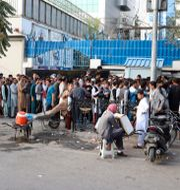 Långa köer för att ta ut pengar i Kabul, 30 augusti. Khwaja Tawfiq Sediqi / TT NYHETSBYRÅN