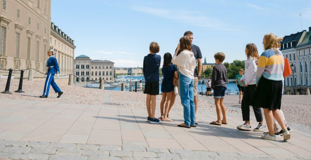 Turister vid slottet i Stockholm Simon Rehnstr m/SvD/TT / TT NYHETSBYRÅN