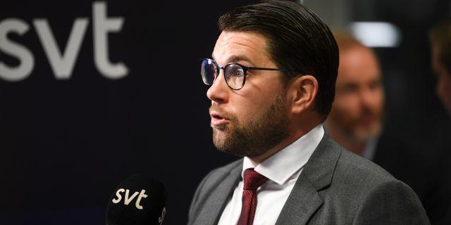 Jimmie Åkesson intervjuas av SVT i oktober. Fredrik Sandberg/TT / TT NYHETSBYRÅN